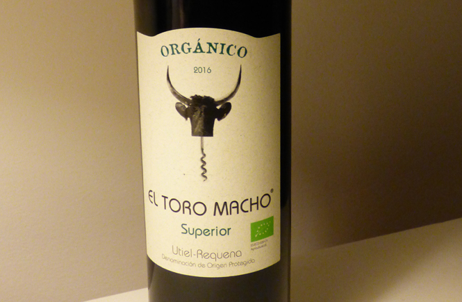 Organic wine El Toro Macho Superior 2016